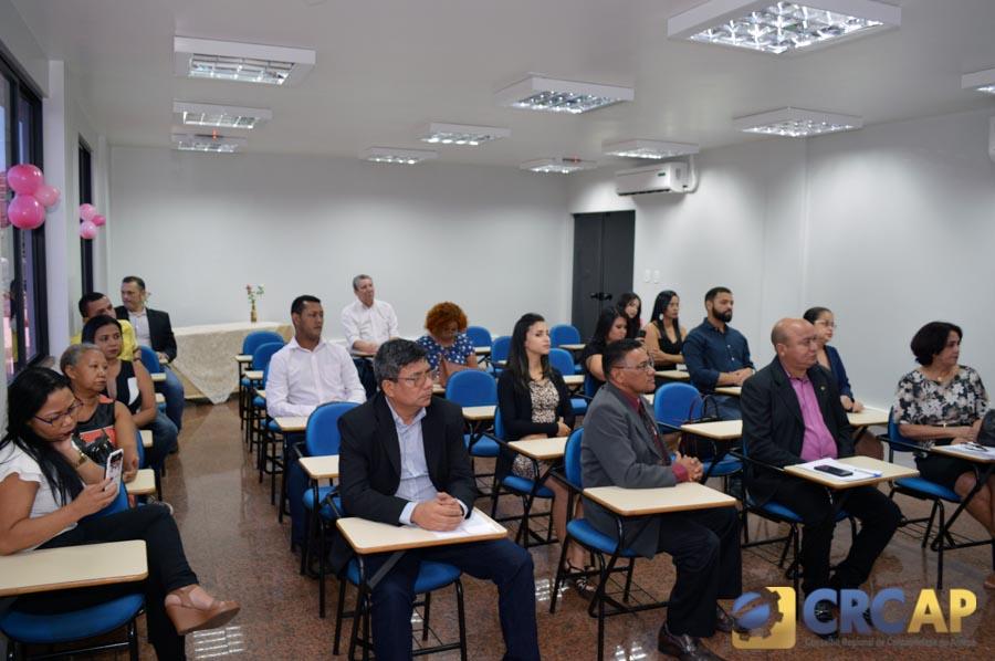10ca34613 CRC-AP PROMOVE CERIMÔNIA DE ENTREGA DE CARTEIRAS PROFISSIONAIS ...